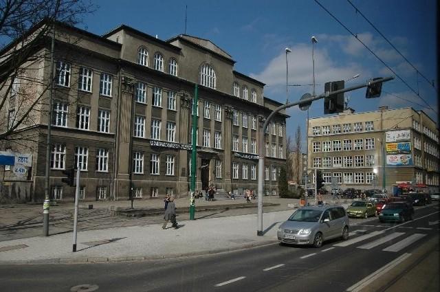 Archidiecezja domaga się odszkodowania za użytkowanie gmachu VIII Liceum Ogólnokształcącego oraz szkoły muzycznej przy ulicy Głogowskiej