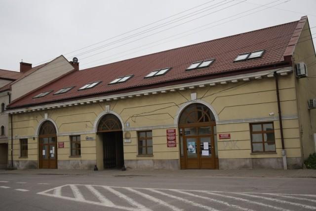 Do 4 marca praca wydziału została zawieszona