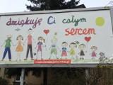 """Nowe billboardy w Pleszewie. Zamiast płodów rysunek dziecka i hasło """"dziękuję Ci całym sercem"""""""