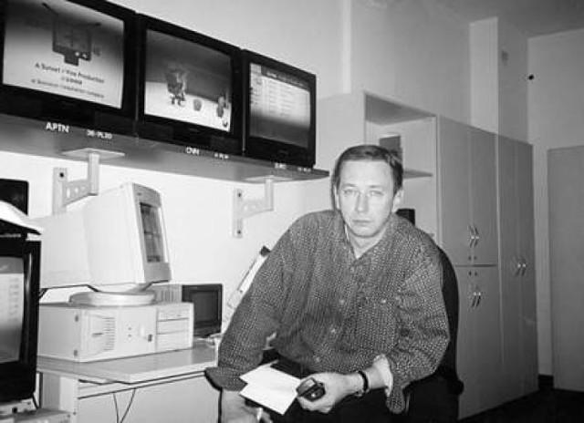 """Korespondentem wojennym został przez przypadek, który - jak sam przyznał - potem przerodził się w wielką pasję. Najpierw pracował w """"Dzienniku TV"""", potem """"Wiadomościach"""". Do 1989 r. siedział głównie w studiu. Tylko 2 razy wysłano go za granicę: obsługiwał oficjalne wizyty generała Jaruzelskiego w Tunezji i Korei."""