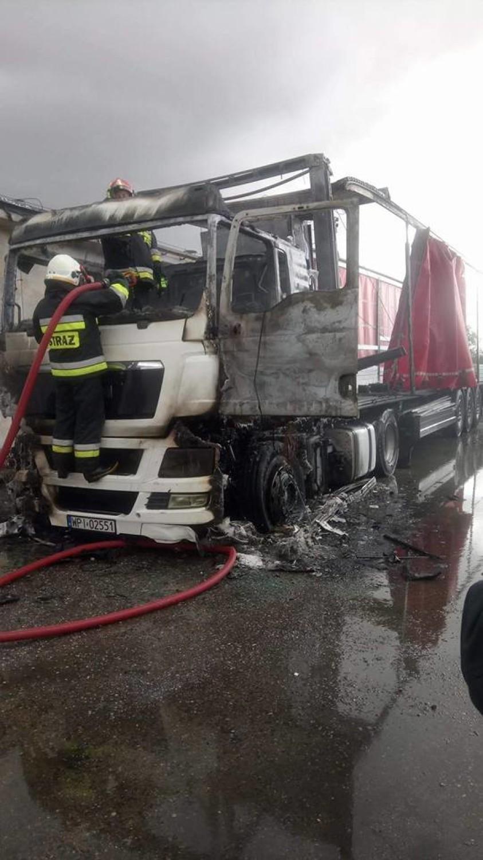 Spłonęła ciężarówka w Ryczywole