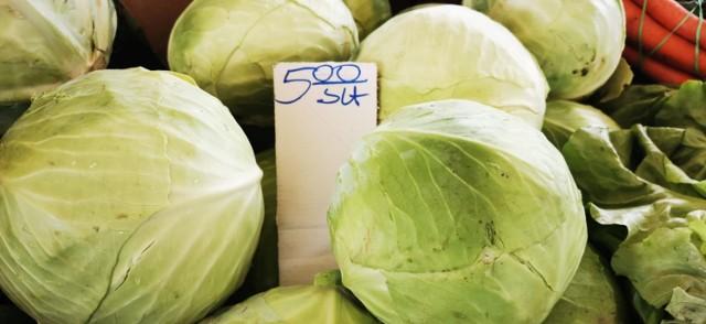 Targowisko w Świebodzinie, ceny warzyw i owoców