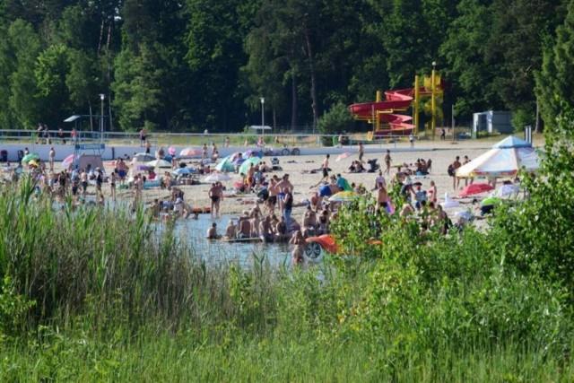 Zobaczcie zdjęcia najpiękniejszych kobiet, który wypoczywały lub wypoczywają na plaży w Przyjezierzu >>>>>
