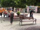 """Picie w miejscach publicznych letnią """"rozrywką"""" w Wałbrzychu"""