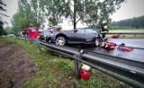 Zderzyły się dwa auta. Droga krajowa nr 11 zablokowana