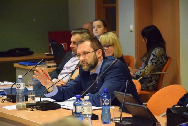 - Budżet powiatu na rok 2020 dostał pozytywną opinię RIO, czego dawno u nas nie było - zaznacza starosta Mirosław Birecki.