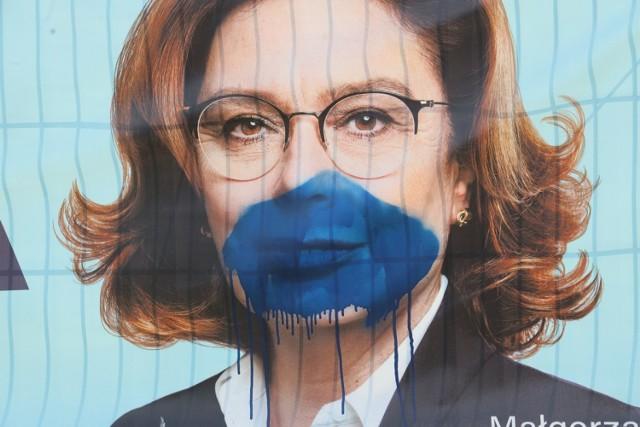 Plakatowa kampania wyborcza w Legnicy.