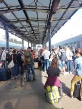 Awaria na kolei. Kolej przywraca ruch, ale trzeba się liczyć z dużymi opóźnieniami [zdjęcia]