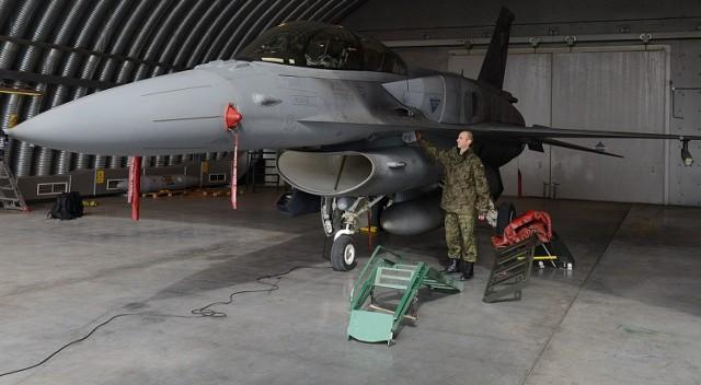 F-16 w Krzesinach - 31 Baza Lotnicza w Poznaniu od kuchni. Zobacz także film o Tygrysiej Eskadrze