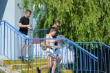"""Wystartowała gra miejska """"GOLem XXI"""" w Skierniewicach. Uczestnicy  mają ograniczony czas"""