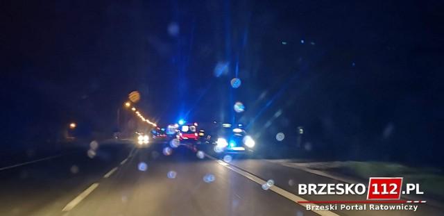 Wypadek na DK94 w Jadownikach, samochód osobowy potrącił mężczyznę, 51-latek był pijany, 12.04.2021