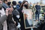 Pogrzeb Stanisława Marcina Gąsiora. Zasłużony dla kultury Honorowy Obywatel Piotrkowa spoczął na cmentarzu w Wieluniu [ZDJĘCIA]
