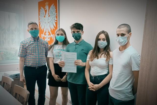W czwartek młodzi działacze złożyli apel do radnych powiatu ws. powołania Młodzieżowej Rady Powiatu Człuchowskiego