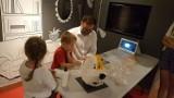Reksio z klocków Lego już w Muzeum Dobranocek w Rzeszowie. Zobacz, jak go budowano. Powstał z 6,5 tys. klocków