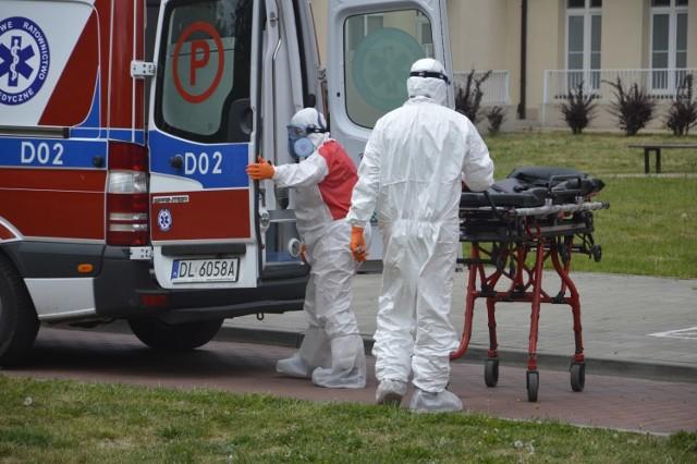 Jeszcze dziś, 24 września, zakażeni pacjenci zostaną przewiezieni do szpitali w Legnicy i Bolesławcu