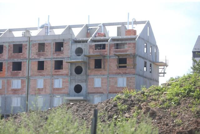 Trwa budowa mieszkań w Chorzowie. Zobaczcie postępy prac.  Zobacz kolejne zdjęcia/plansze. Przesuwaj zdjęcia w prawo - naciśnij strzałkę lub przycisk NASTĘPNE