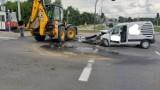 Wypadek w Bydgoszczy. Koparka zderzyła się z autem osobowym [zdjęcia]