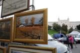 Ostatnia niedziela miesiąca? Czas na Lubelską Giełdę Staroci na placu Zamkowym w Lublinie. Zobacz fotorelację