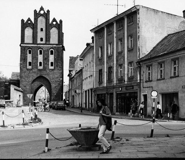 Tak wyglądał Pasłęk w latach 90. Unikatowe zdjęcia miasta i mieszkańców sprzed lat