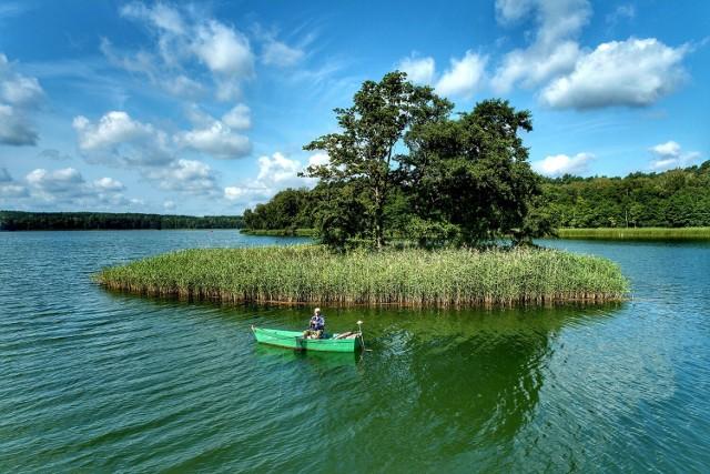 Jezioro Paklicko Wielkie leży nieco ponad 15 kilometrów od Świebodzina.