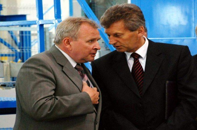 Roman Walkowiak (z prawej) zostanie odwołany z funkcji dyrektora?