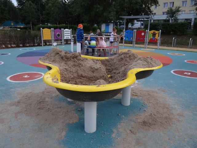 Ogród sensoryczny w Parku Bródnowskim otwarty. Nowe miejsce dla dzieci z Targówka, także niepełnosprawnych