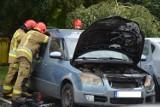 Pożar samochodu osobowego na osiedlu Wyszyńskiego w Wieluniu ZDJĘCIA