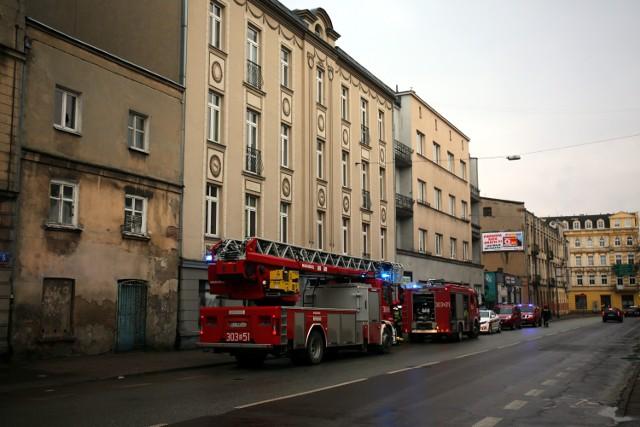 Pożar na Żeromskiego w Łodzi. Mężczyzna zginął w pożarze kamienicy