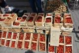 Chełm. Sprawdziliśmy jak kształtują się ceny owoców, warzyw i nowalijek na chełmskim bazarze - zobaczcie zdjęcia