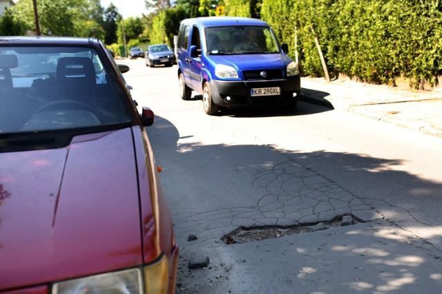 Remont ulicy Olimpijskiej jest bardzo potrzebny, ale mimo obietnic dzielnica go nie sfinansuje