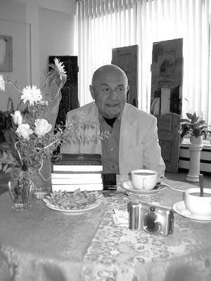 Włodzimierz Kłaczyński podczas spotkania z czytelnikami.