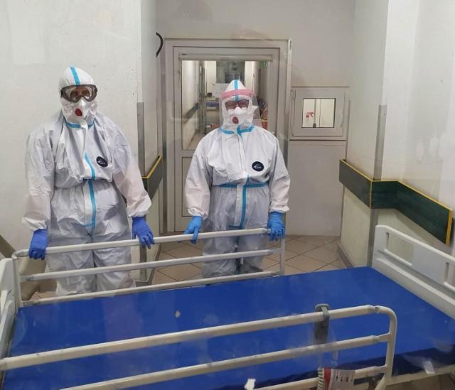 Łóżka dla pacjentów z COVID-19 zakupione przez WOŚP trafiły właśnie do Szpitala Powiatowego w Międzychodzie.