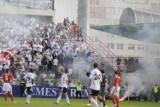 Wielka zadyma kiboli na stadionie w Bełchatowie [ZDJĘCIA]