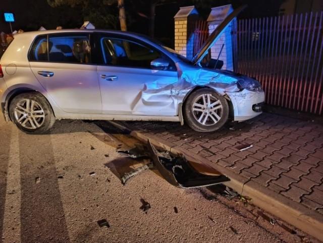 Jedna osoba trafiła do szpitala po wypadku, do jakiego doszło minionej nocy w Szczucinie na ulicy Rudnickiego, 1.10.2021