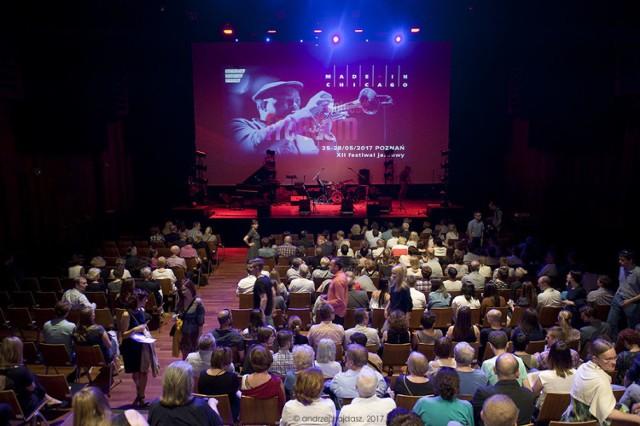 Koncert odbył się w sali głównej Centrum Kultury Zamek i widownia wypełniona była do ostatniego miejsca. fot. Andrzej Hajdasz