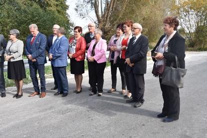Powiat Września: Otwarcie zmodernizowanej drogi przyciągnęło wielu samorządowców
