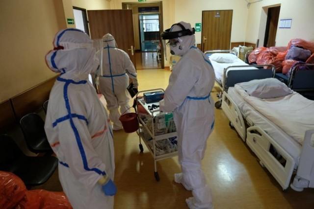 Mamy 601 nowych przypadków zakażenia koronawirusem w woj. śląskim. W całej Polsce odnotowano ich 7 795. To nowe dane podane przez Ministerstwo Zdrowia 15 stycznia 2021 roku.   Ilu jest chorych w poszczególnych miastach? Zobacz kolejne slajdy >>>>>>>>