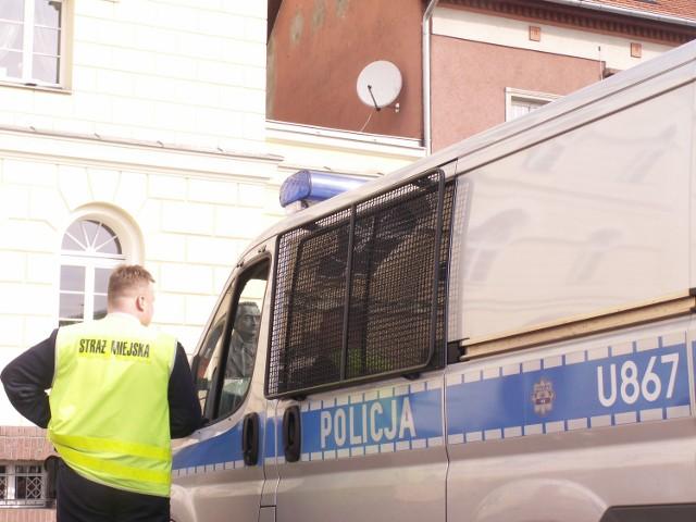 Policjanci pojmali sprawców kradzieży.