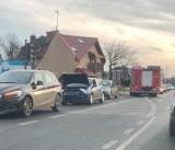 Wągrowiec. Zderzenie na ulicy Przemysłowej. Interweniuje straż pożarna