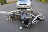 Wypadek osobówki z motocyklem na krzyżówce w Kawczynie ZDJĘCIA