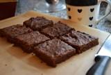 CIASTO BEZ MĄKI. Sprawdź prosty przepis na migdałowe brownie (PRZEPIS)