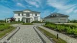 Najdroższe domy na sprzedaż w Pucku i powiecie puckim. Tu każdy chciałby zamieszkać! Ceny? To nawet 8,5 mln zł za dom | PAŹDZIERNIK 2020