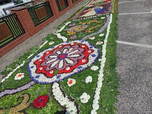 Dywany kwiatowe na Boże Ciało to w Krzymowie już tradycja