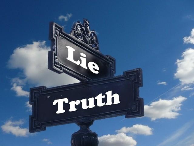 Kłamstwo ma podobno krótkie nogi. Mimo to wiele osób często mija się z prawdą i to z różnych powodów. Zaskakujące może być to, że okazuje się, że niektóre cechy są przypisane do naszego imienia! Można wierzyć lub nie, ale każde imie ma szereg cech charakteru, którym odznaczają się jego posiadacze. My wyszukaliśmy te imiona, które często mijają się z prawdą. Zobaczcie, kto jest na liście.