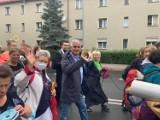 Wałbrzyska pielgrzymka na Jasną Górę w drodze. Sprawdzamy, jak sobie radzą nasi pątnicy. Zobaczcie zdjęcia