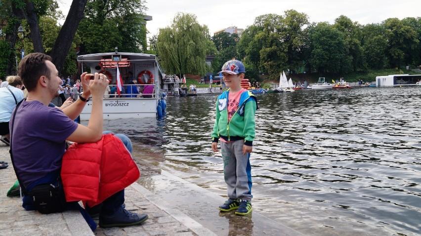 Ster na Bydgoszcz 2016. Uroczysta parada jednostek pływających [zdjęcia, wideo]