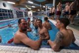 Nie samym treningiem piłkarz żyje. Zawodnicy Arki Gdynia wybrali się do Aquaparku w Sopocie, aby zrelaksować się po zajęciach na boisku