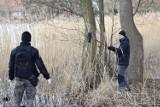 Wielkie sprzątanie Trzesiecka w Szczecinku. Czego to ludzie do jeziora nie wyrzucają... [zdjęcia]