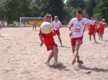 Turnieje Beach Soccera na stałe wejdą do kalendarza imprez sportowych w Charzykowach. Kolejny - za tydzień.