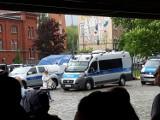 Ewakuacja Starego Browaru w Poznaniu. Policja i straż pożarna na miejscu. Co się stało? [ZDJĘCIA, WIDEO]